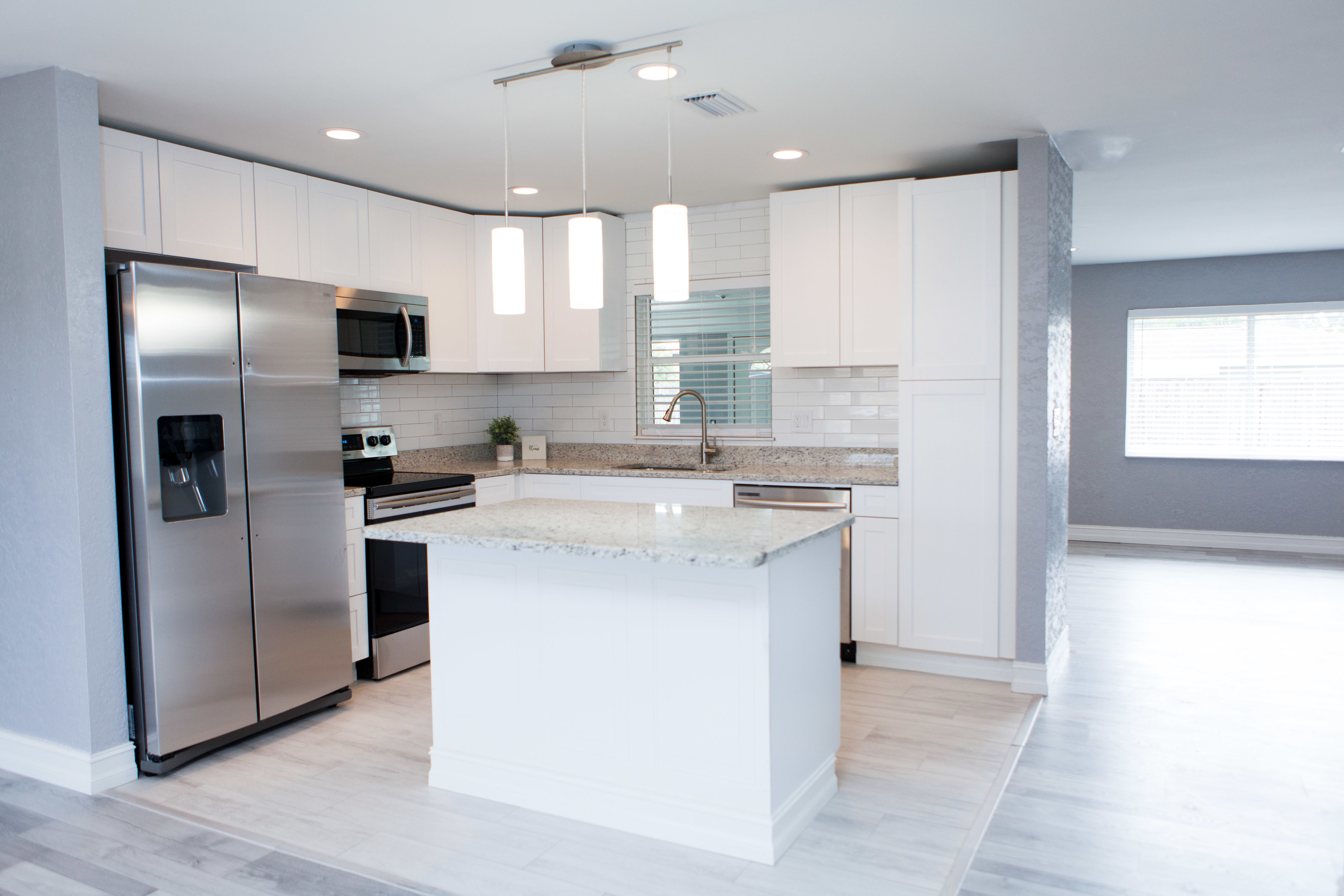Empire Builders And Remodeling Remodeling Contractors In Venice Bathroom And Kitchen Remodeling Tile Installer Flooring Contractor